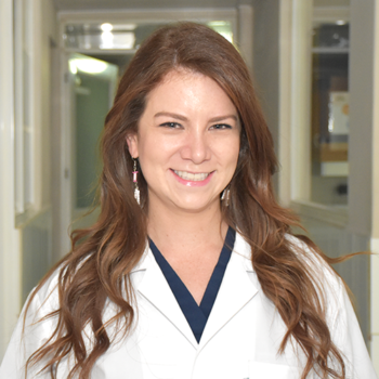 Dra. Karen Proaño